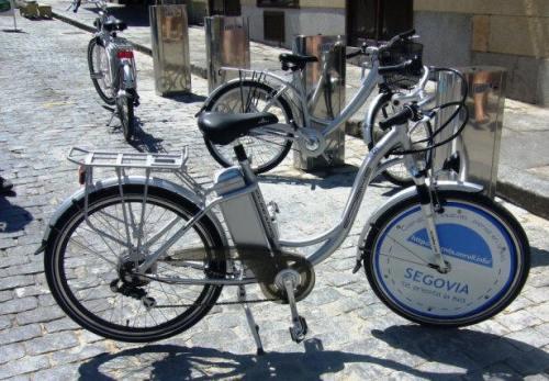 Foto de la bici de alquiler de Segovia. Fuente AVELE
